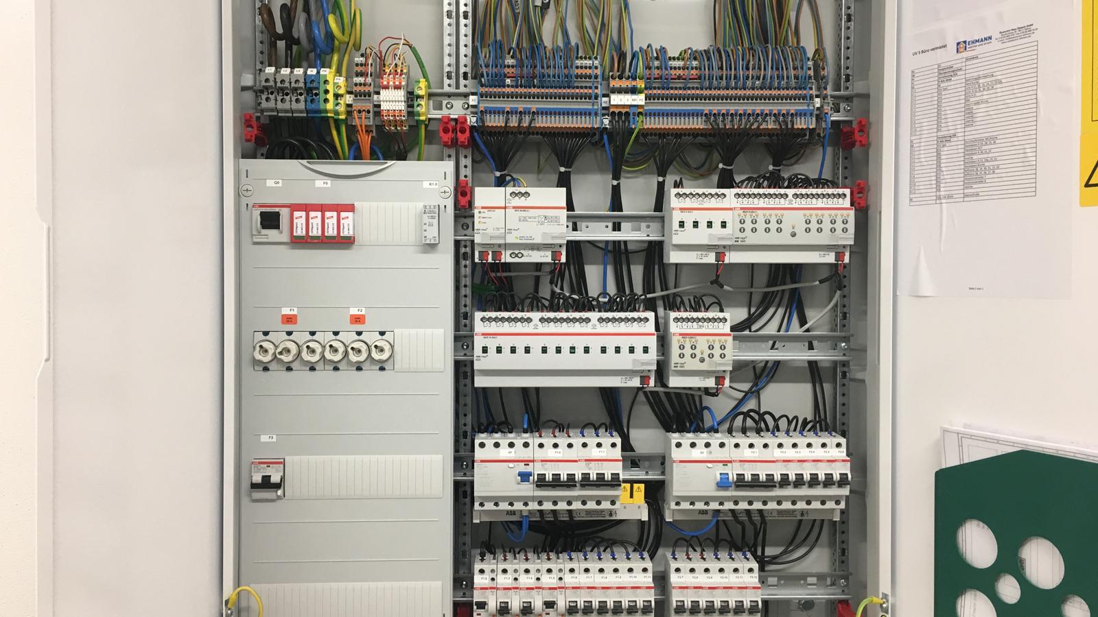 Elektroinstallation und Haussteuerung Buechele